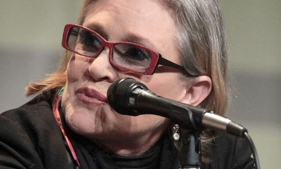 By Gage Skidmore from Peoria, AZ, United States of America - Carrie Fisher, CC BY-SA 2.0, https://commons.wikimedia.org/w/index.php?curid=49291802